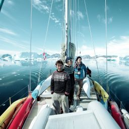 Exploring Greenland by sailing boat