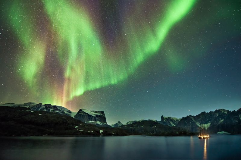 From end of August the Northern Lights start showing in Scoresbysund