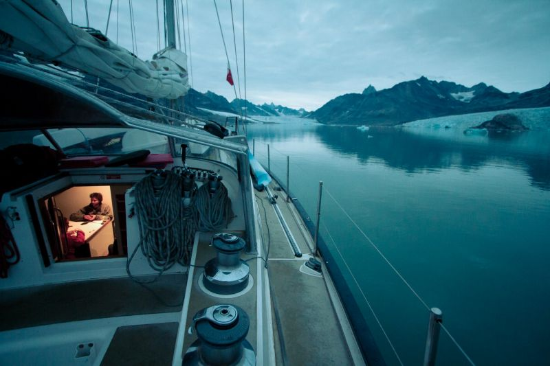 Being comfortable and close to nature with the sailing boat Aurora in East Greenland