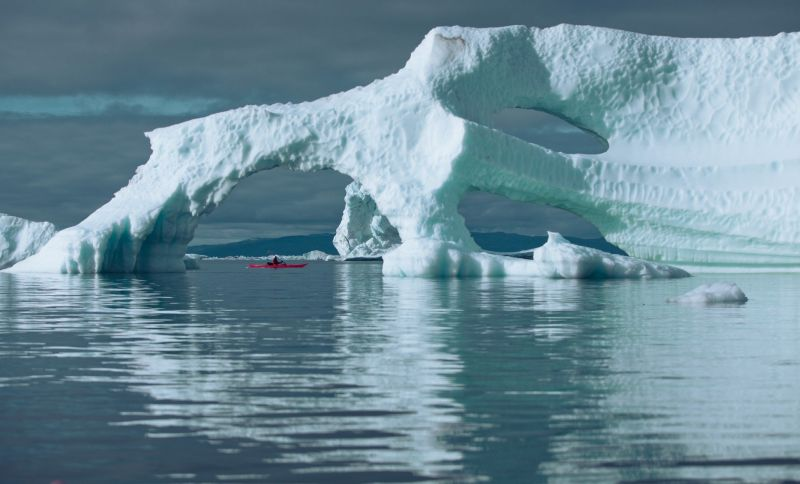 Paddle among floating icebergs and impressive ice formations