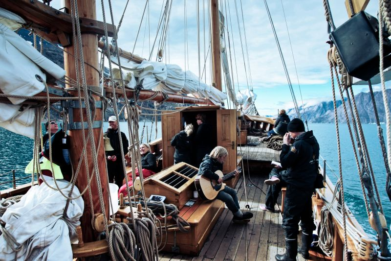 Relaxed atmosphere while cruising Scoresbysund in Greenland